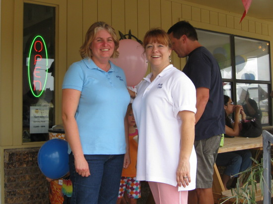 Owner Tracy Gunther (left) with Manager Eileen (right)